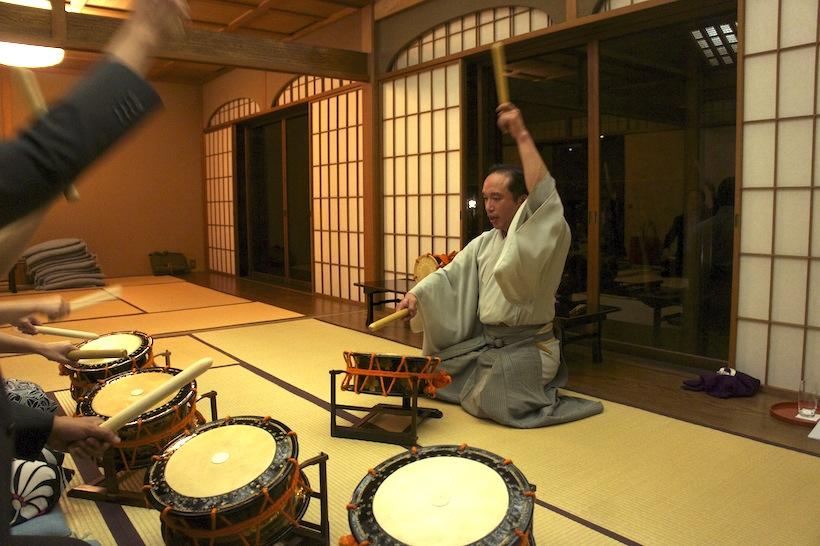 第百回お稽古「能楽囃子・太鼓」大川典良先生をお迎えして