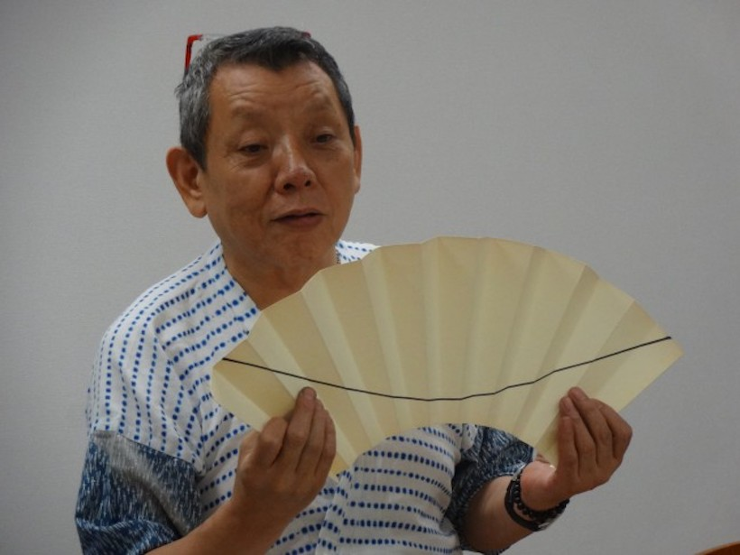 『江戸扇子〜扇の絵付け体験』講師:荒井修 先生