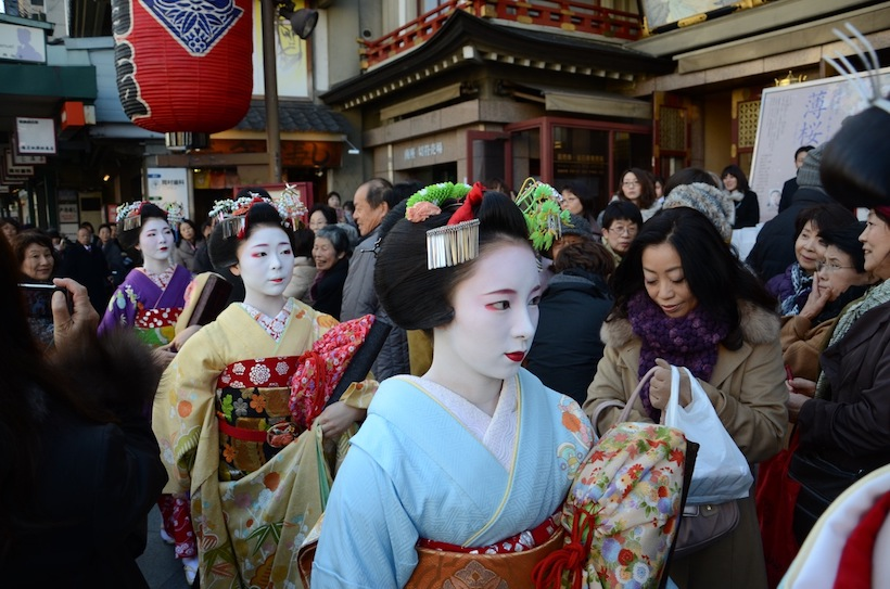 京都南座顔見世「花街総見」鑑賞と料亭祇園「鳥居本」の宴