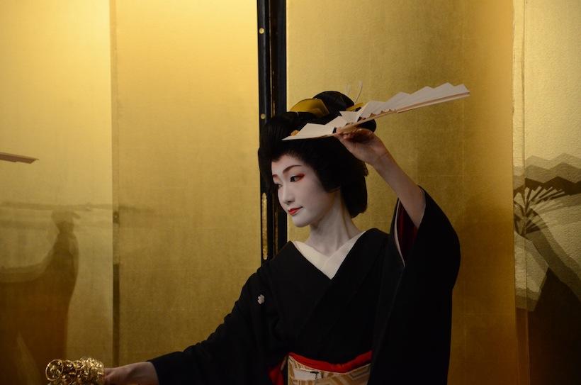 演舞場発・文化を遊ぶ「なでしこの踊り・冬」開催しました